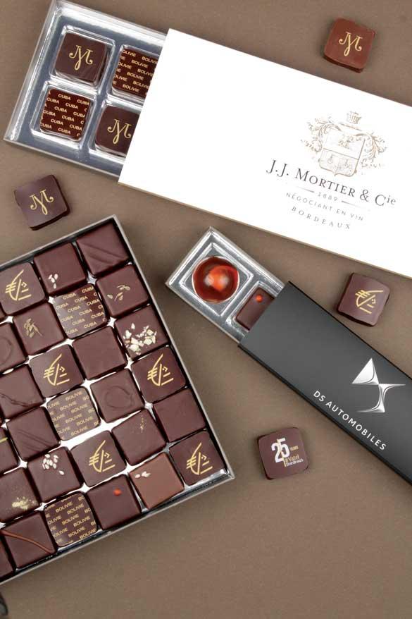Exemples de coffrets de chocolats Hasnaâ publicitaires